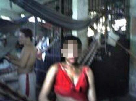 a menor foi lançada dentro da cela com vários homens